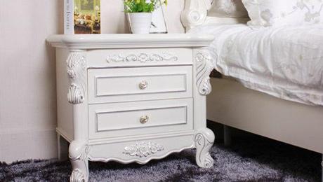 【迈濠斯】白色实木描银床头柜