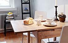 折叠餐桌方便又实用 小户型餐厅必备