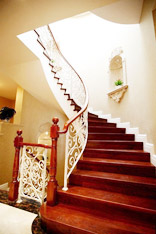 古典而华丽 16款欧式楼梯设计
